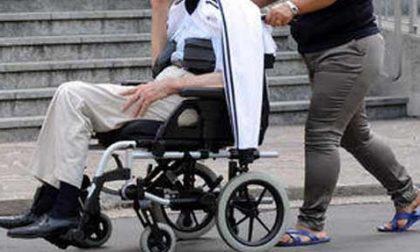 Anziano 90enne raggirato dalla badante