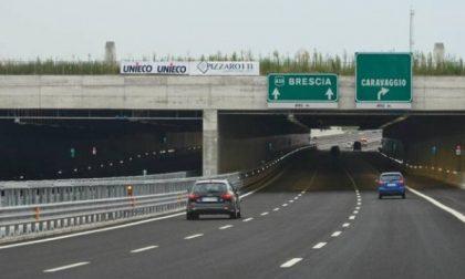 Autostrada,anziano contromano:tragedia sfiorata