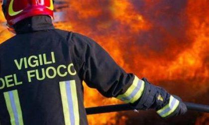 Autovetture in fiamme a Gardone Riviera nella notte