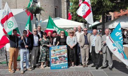 Gazebo di Forza Italia, Lega Nord e Fratelli d'Italia in piazza Treccani