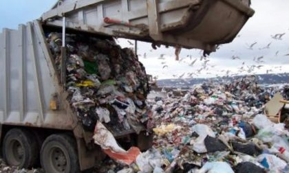 Revocata autorizzazione alla ditta che tratta rifiuti