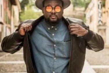 Il rapper Kuti vola sulla luna con Universal