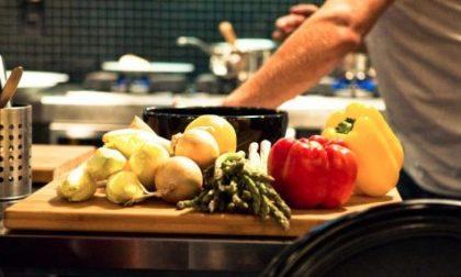 La ristorazione assume: 4mila posti come cuochi, camerieri e baristi