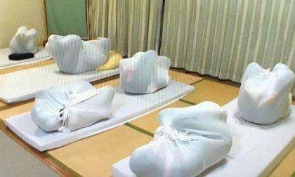 Otona Maki, un esercizio che simula il grembo materno