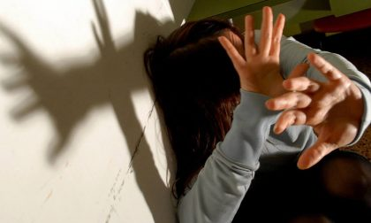 Stalking alla sua ex, sospeso il Comandante della Polizia Locale di Sirmione