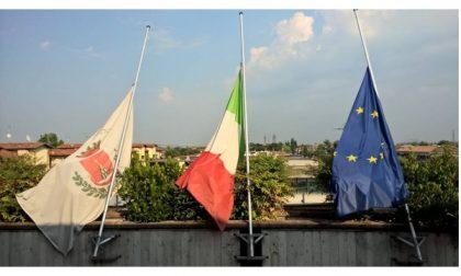 Strage Dacca,bandiere a mezz'asta a Montichiari