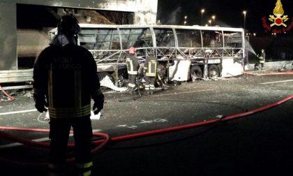 Strage bus, a Verona il riconoscimento dei corpi