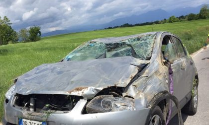 Automobile ribaltata a Vaccarolo