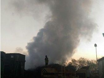 Cascina Rubagotta, le fiamme devastano il tetto