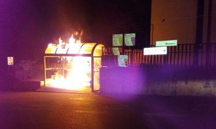 Castelnuovo, a fuoco la pensilina