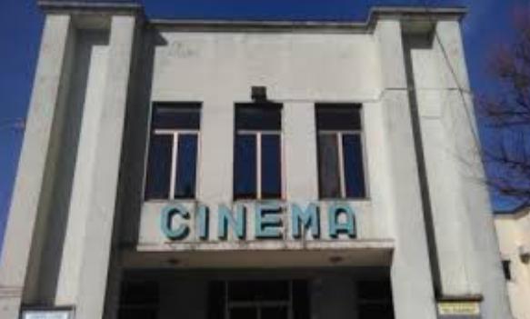 Bando regionale da 4 milioni per cinema e altre attività