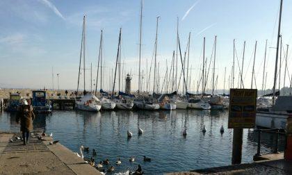 Paura per una 56enne a Desenzano, salvata dagli agenti della polizia locale
