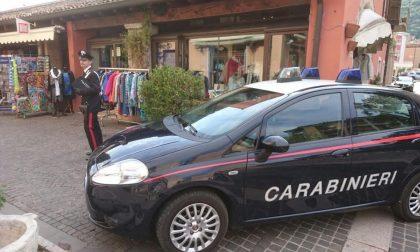 Fermato dalla negoziante, arrestato dai carabinieri