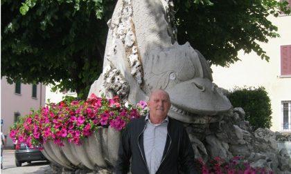Fontana piazzale Gramsci, finalmente i fiori
