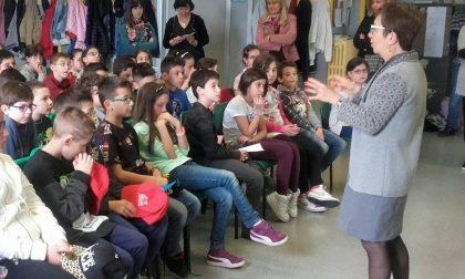Gli alunni della Valtenesi incontrano gli autori
