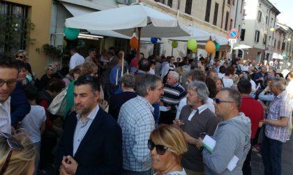 Grande festa per le fioriste di piazza Garibaldi