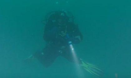 Il video del recupero dell'aereo precipitato nel Garda