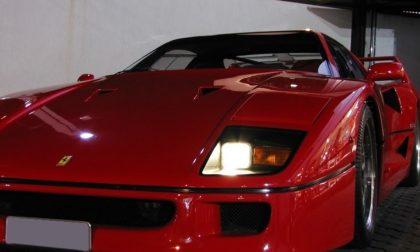 Incidente col Ferrari, il bolide finisce nella scarpata