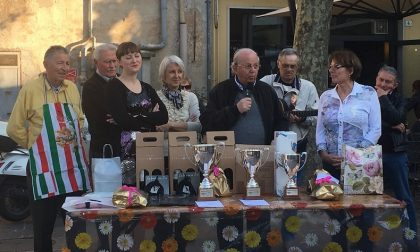 La sfida fra salami in piazza Cappelletti