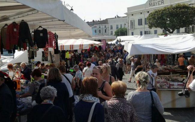 """Giro di vite al mercato di Orzinuovi: beccati i """"furbetti"""""""
