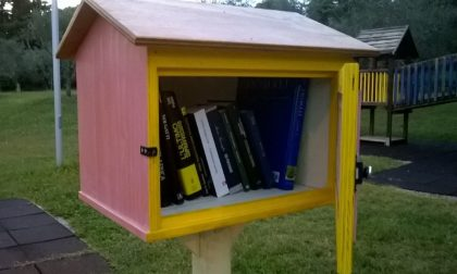 Salò, casette per i libri nel parco
