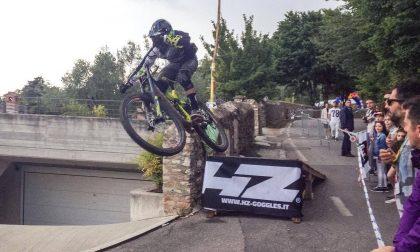 Tempo di downhill per le strade di Maderno