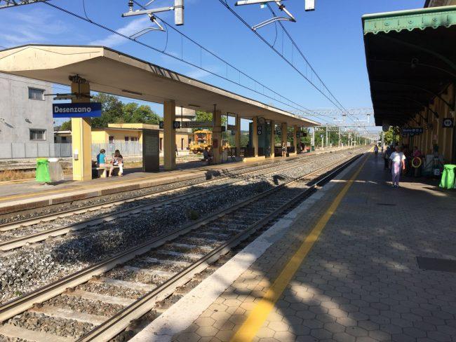 Travolta dal treno a Desenzano, è una ragazza