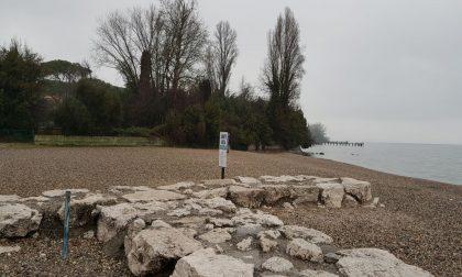 Cinque Stelle sulla passeggiata a lago di Desenzano: «Ennesima colata di cemento»