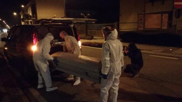 Madre e figlia morte in casa nel Monzese, parente piantonato in ospedale