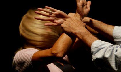 Minacciata e picchiata dal marito per 10 anni