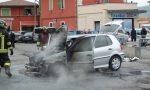 Va a fuoco l'auto panico a Rovato FOTO e VIDEO