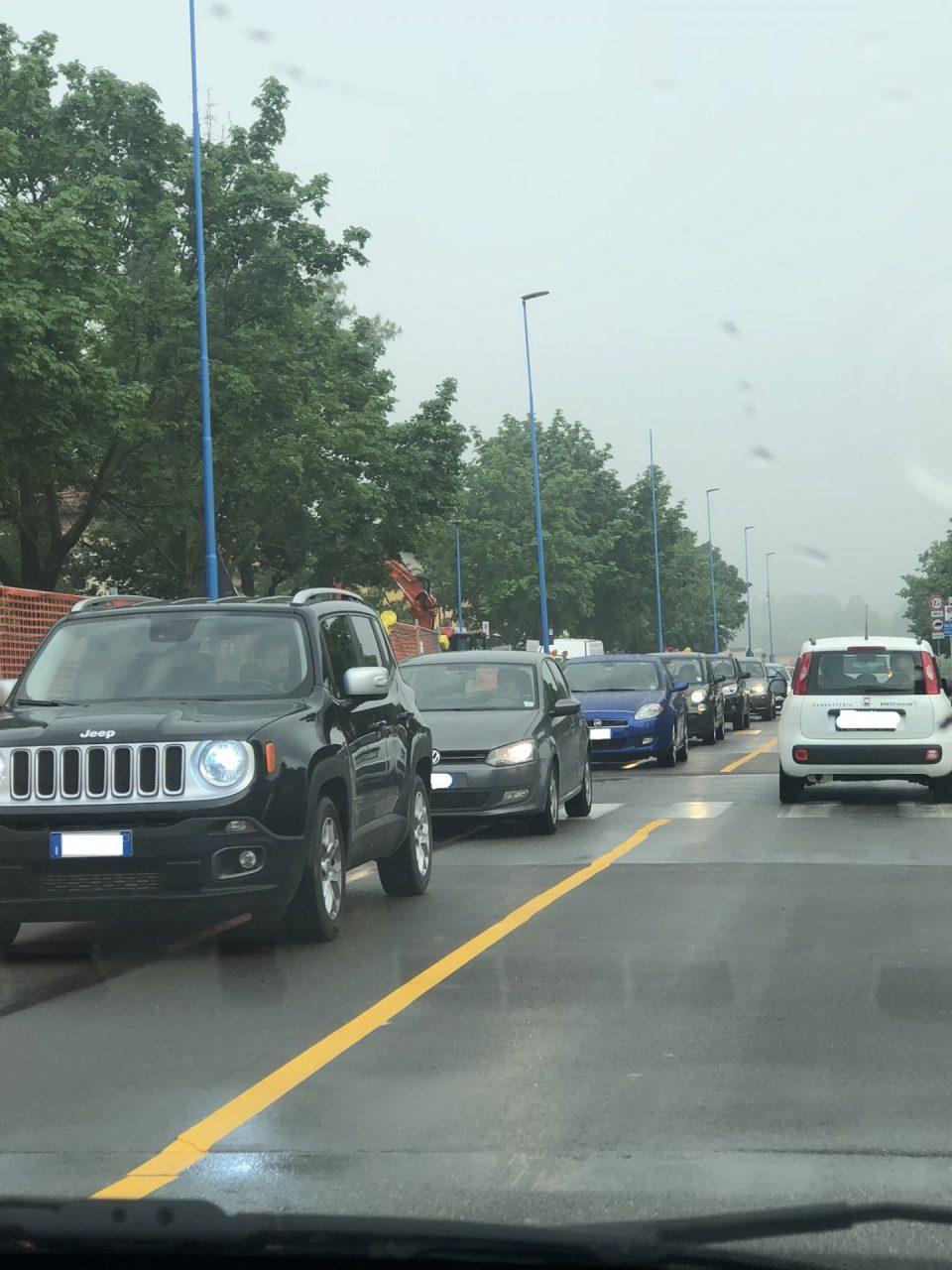 La rete di scatena contro i lavori di via Volturno