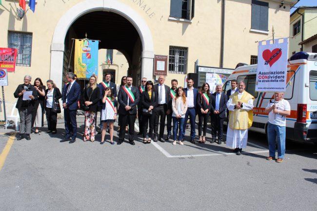 Profonda commozione questa mattina a Capriano del Colle dove si è svolta la Manifestazione delle Croci. L'iniziativa ha avuto come obiettivo, soprattutto, quello di sensibilizzare la cittadinanza sulle stragi delle strade italiane e bresciane.