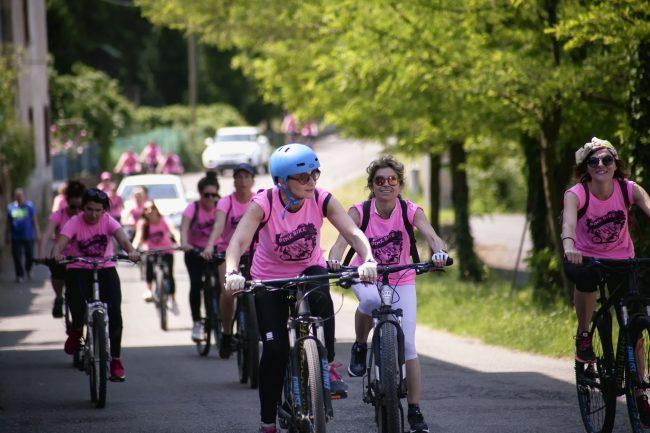 Franciacorta in rosa in 100 donne per la pink bike ad Adro