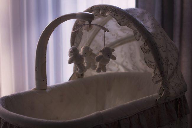 Neonato abbandonato a Brescia: identificata la madre