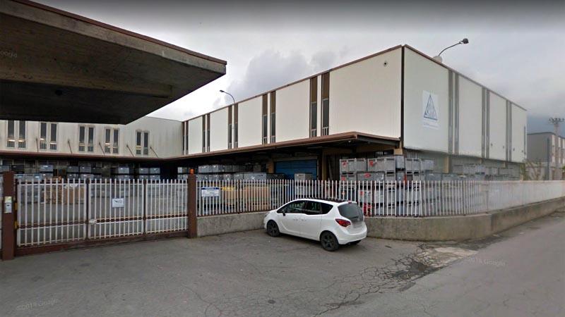 Infortunio sul lavoro a Brescia, operaio precipita al suolo