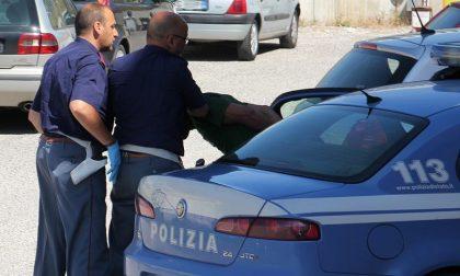 Tenta di rapinare anziana: arrestato minorenne a Brescia