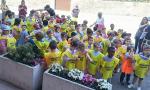 I bambini di Villa Pedergnano per le strade con la Polizia