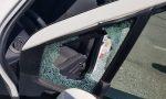 Apre l'auto con un cacciavite e ruba una borsa, ma c'erano i Carabinieri a guardarlo