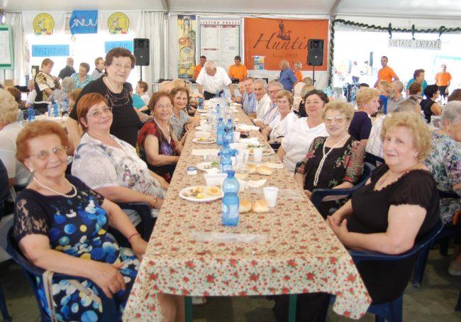Pranzo dei nonni in 200 a Erbusco