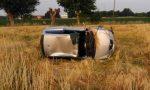 Auto si ribalta nel campo a Calvisano giovane miracolata