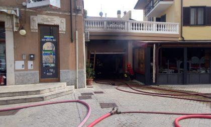 Magazzino a fuoco a Pontoglio in centro al paese VIDEO