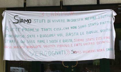 Richiedenti asilo protestano contro la struttura che li ospita sul Garda