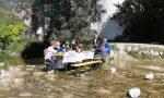 Un pranzo nel… letto del fiume