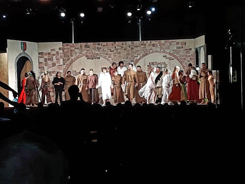 La missione giovani con un momento di merenda e lo spettacolo dedicato a San Francesco