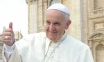 Chiede l'aiuto del Papa e il Pontefice lo chiama
