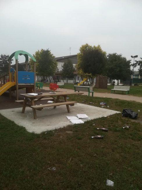 Vandalizzato il parco