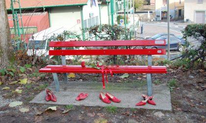 Panchina rossa a Rovato contro la violenza sulle donne