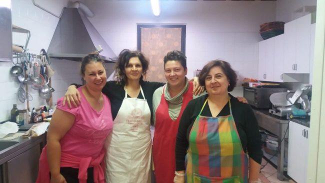 Raccolta fondi per il materiale scolastico: corso di cucina a Travagliato