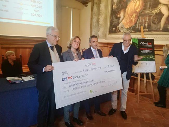 Consegna assegno a Fondazione Brescia Musei